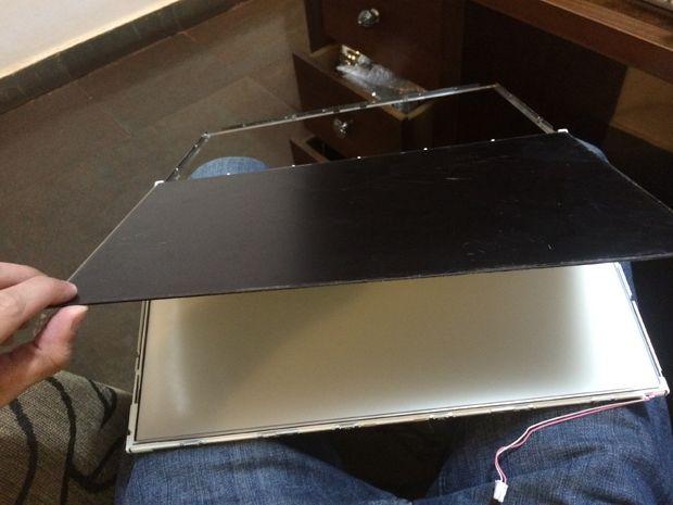 Convertir una pantalla de ordenador portátil roto en una mesa de luz ...
