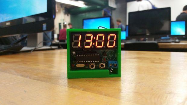 bd06dc58b78d En este Instructable espero poder guiarte por lo que su propio reloj digital  de 4 bits. Para construir mi reloj digital C51 usé este kit de bricolaje de  ...